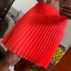 Express bright orange pleated skirt. Size 6~new